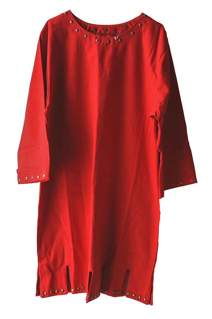 Tunica romana rossa con borchie