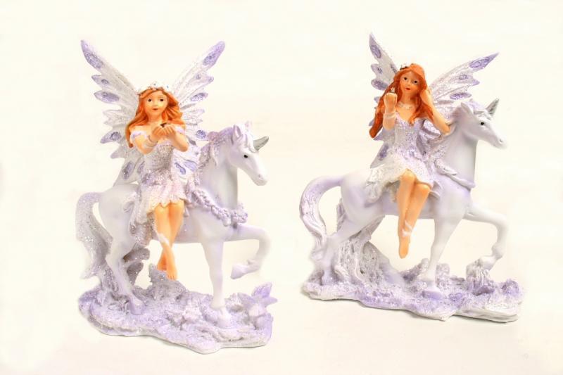 Fatina viola unicorno c/cry in mano s/2 cm. 12x9