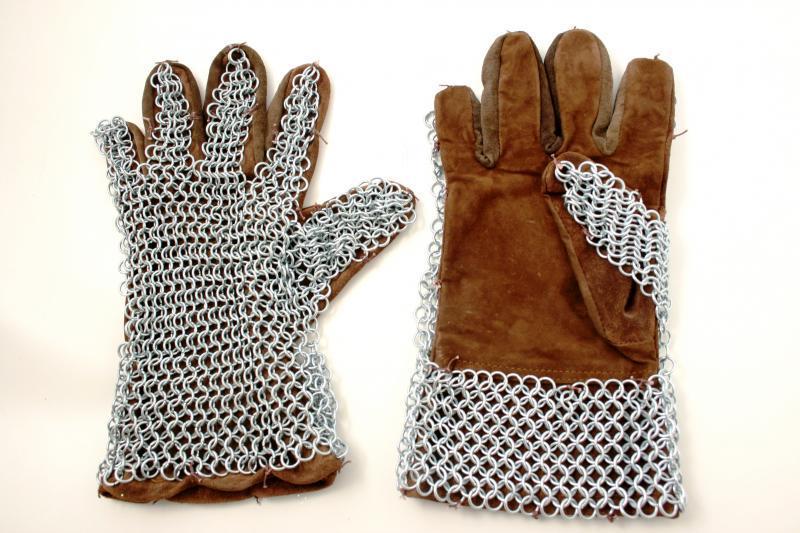 Guanti medioevali cuoio marrone c/maglia di cotta