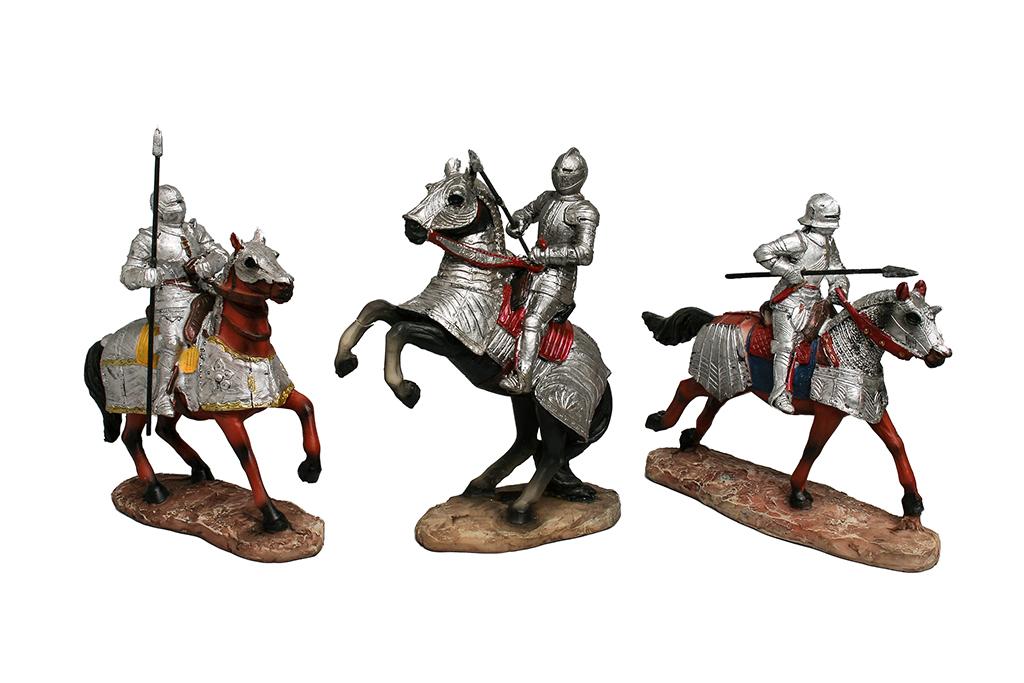 Medievale a cavallo h cm. 15  3 assortiti