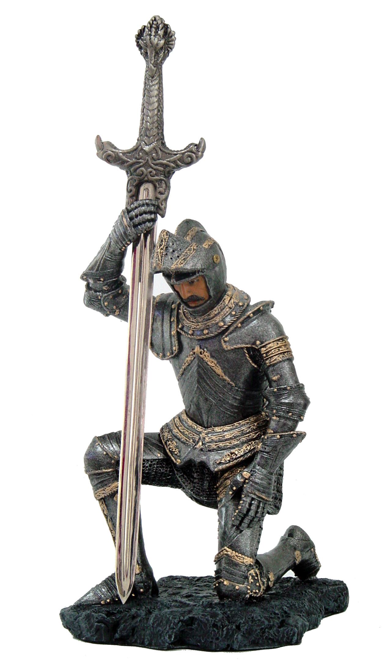 Medioevale in ginocchio c/aprilettera cm. 22