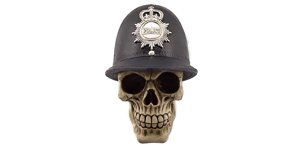 Teschio con cappello poliziotto inglese cm. 15x15